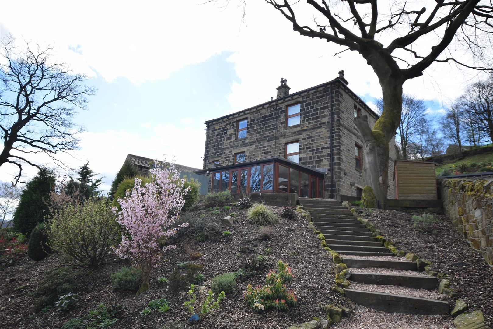 Milner Royd House West, Off London Road, Norland, HX6 3QY